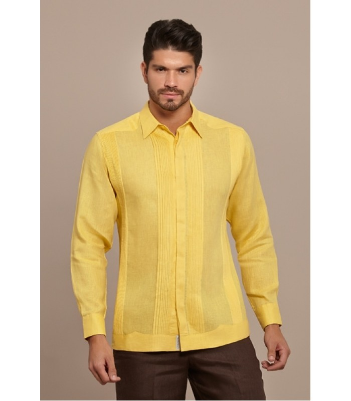 Yellow Pleated Linen Guayabera, size 40.