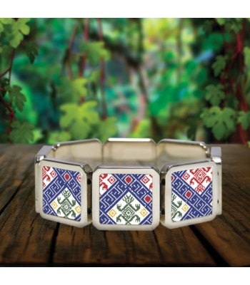 Larráinzar bracelet in stainless steel with designs representing Chiapas textile styles.