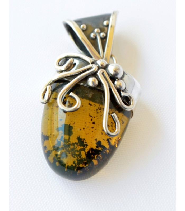 Silver Pendant with Amber from Chiapas