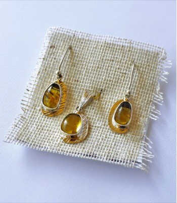 Silver Earrings and Pendant Set with Amber from Chiapas