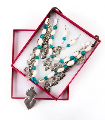 Milagritos Set of Necklace, Bracelet and Earring  with Blue Beads and White Beans